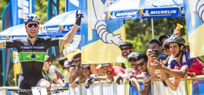 Henrique Avancini e Jaqueline Mourão vencem a prova do Short Track (XCC) na abertura da CIMTB.