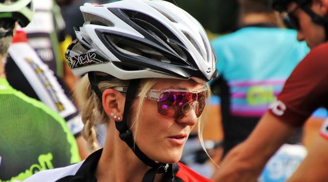A importância de usar óculos de ciclismo ao pedalar