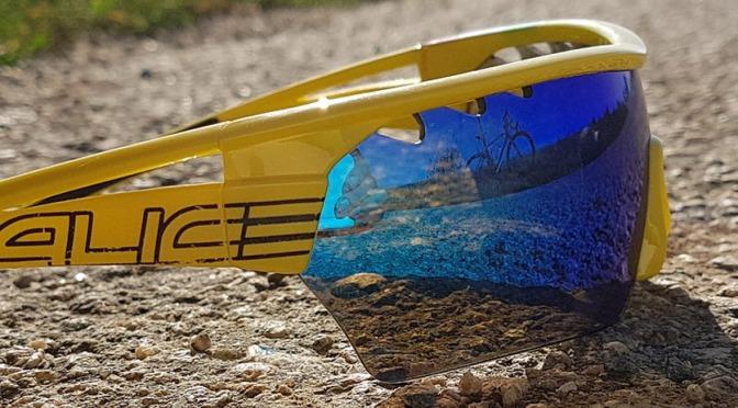 Por que os óculos de ciclismo são coloridos?