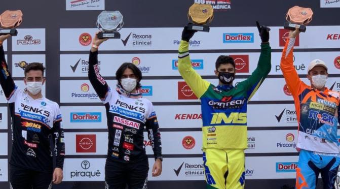 Copa América de Downhill 4X – Julia Alves e Gabriel Giovannini confirmam o favoritismo